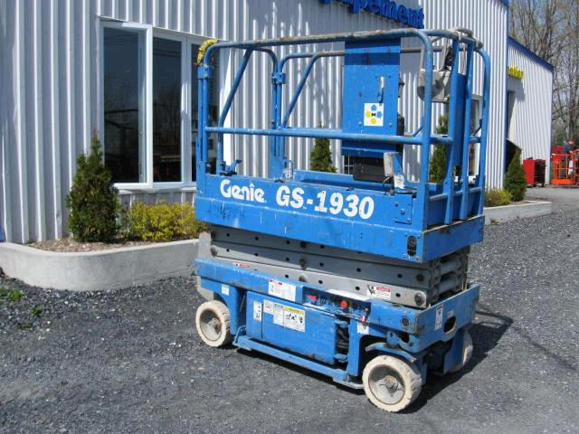 Where to find Hoist 19  Scissor lift compact in Bensenville